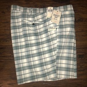Dockers Mens Short with Phone Pocket